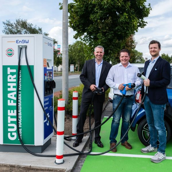 hagebau und EnBW nehmen erste Schnellladestation in Dorsten in Betrieb
